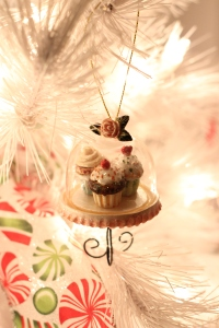 Sweets Tjemed Christmas Tree via bakeforcoffee.com