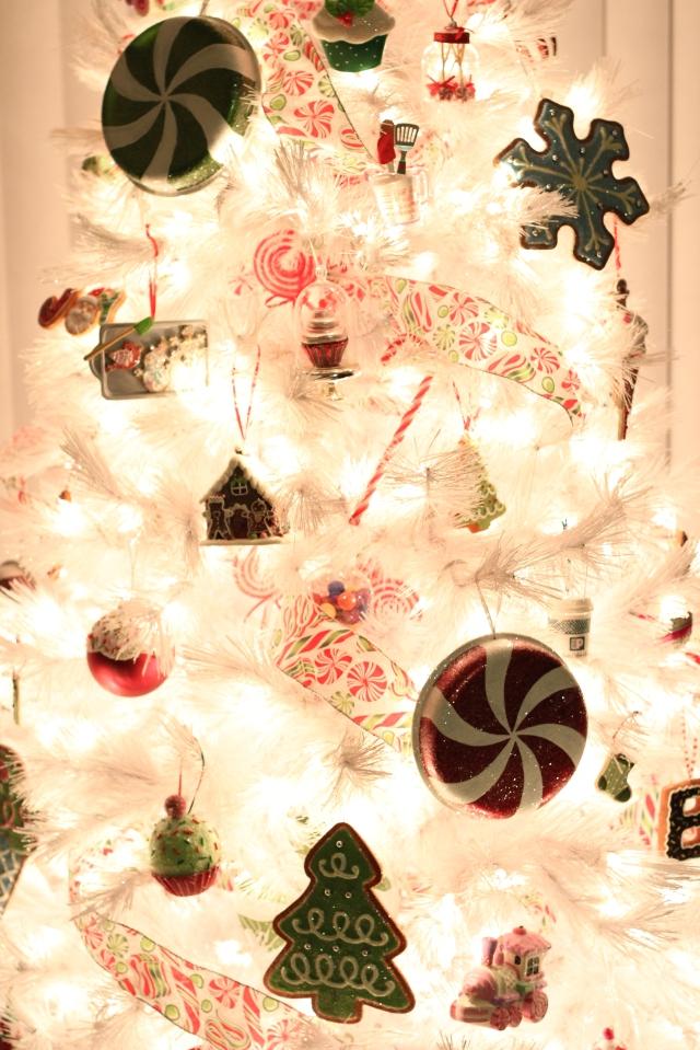 Sweets Themed Christmas Tree via bakeforcoffee.com
