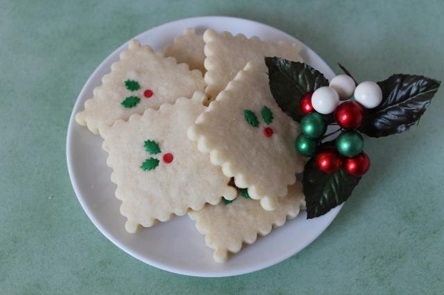 Christmas Shortbread Cookies Recipe via bakeforcoffee.com