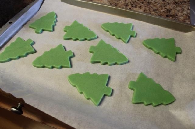 Snowy Tree Sugar Cookie Recipe via bakeforcoffee.com