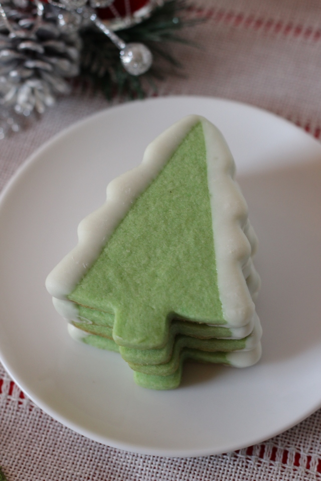 Snowy Tree Sugar Cookie Recipe via bakeforcoffee.com